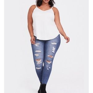 NWT | Torrid Bombshell Skinny Distressed Jeans